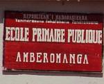 Enseigne de l'école d'Amberomanga