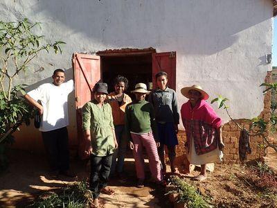 equipe travail de la soie