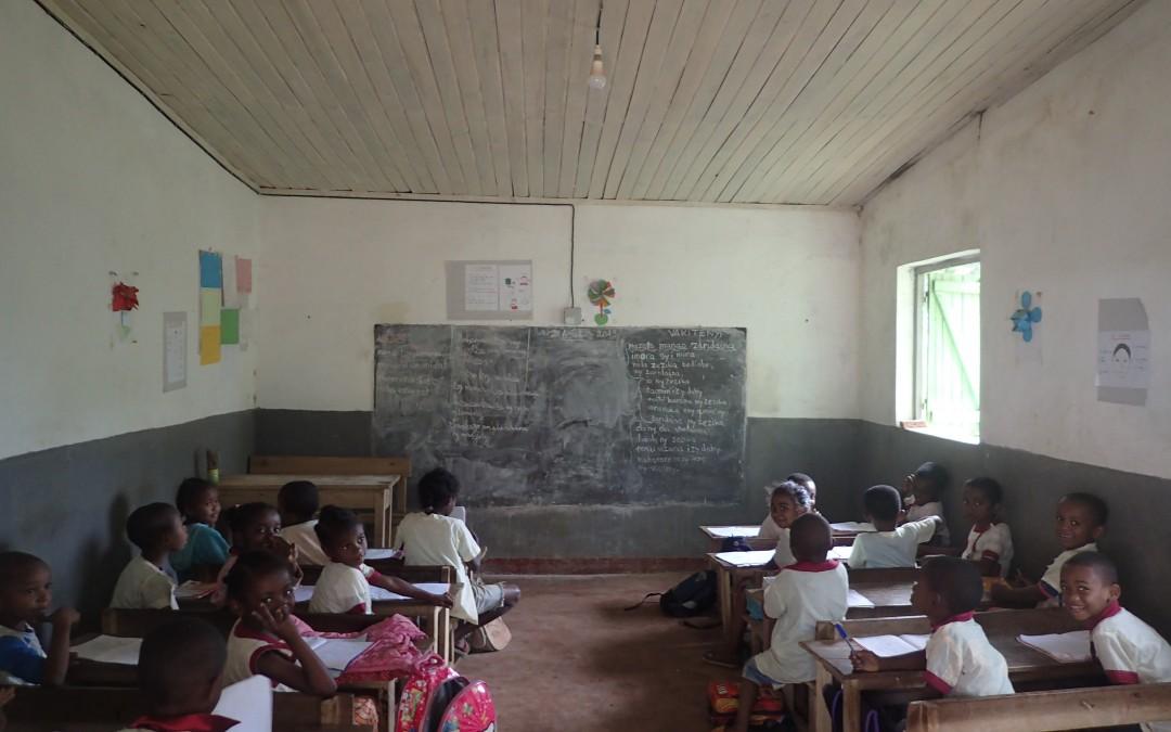 Deux nouvelles salles de classe pour l'école d'Antsaonjobe !