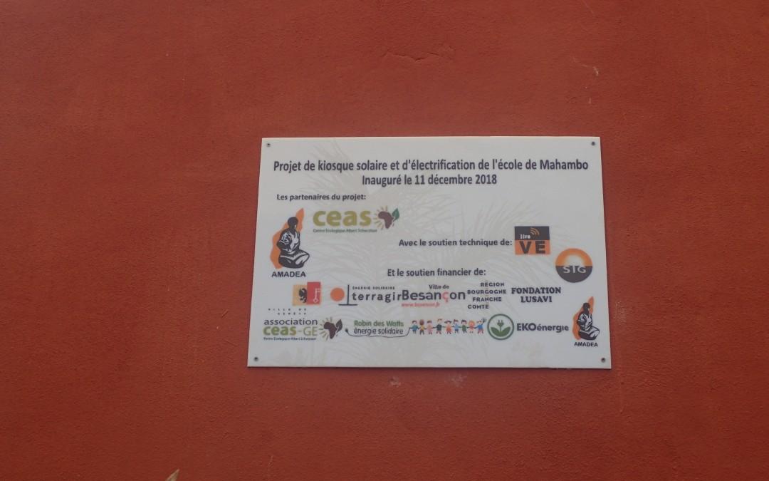 Plaque d'inauguration du kiosque solaire