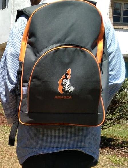 Des sacs à dos aux couleurs d'Amadea